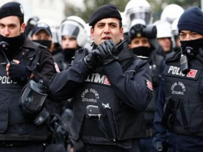 الشرطة التركية تستخدم الغاز المسيل للدموع لتفريق مظاهرات عيد العمال