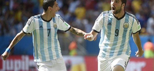 هيجواين يقود الأرجنتين لنصف النهائي