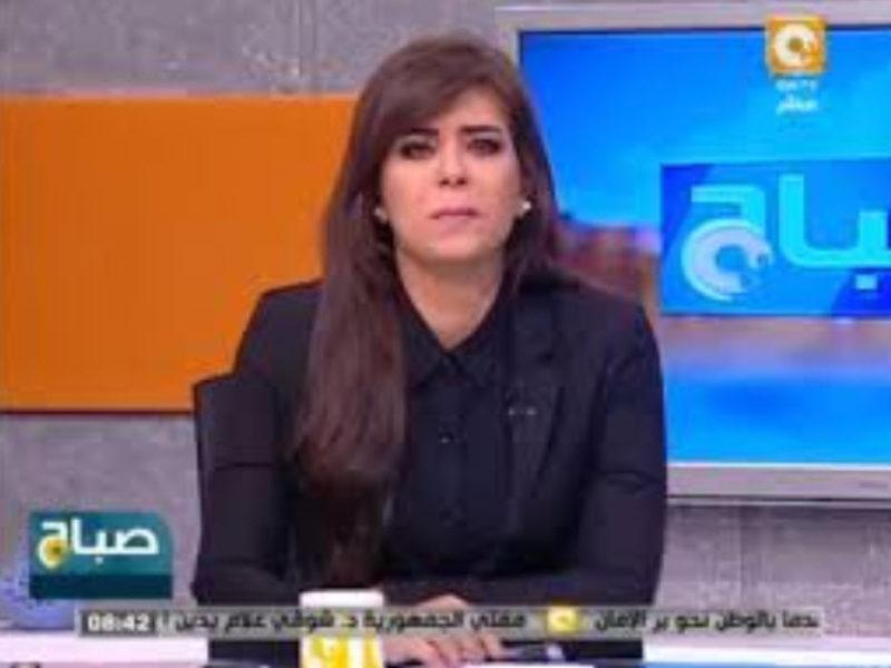 """فيديو : بكاء نهاوند سرى مذيعة ONtv خلال اتصال خطيبة الشهيد """"وليد عصام"""""""