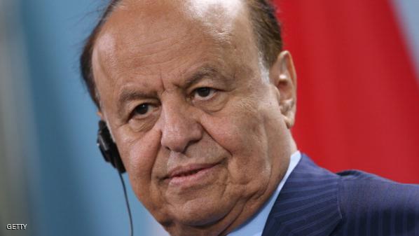 سكاى نيوز : الرئيس اليمنى يهرب الى عدن بالنقاب و احزاب موالية له تدعوه لممارسة اعماله الرئاسية من هناك