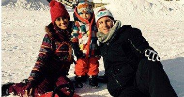 بالفيديو.. ميسى يتحدى زوجته وإبنته فى سباق التزلج على الجليد