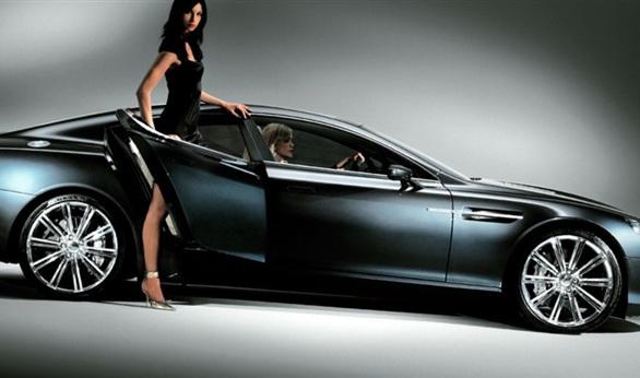 أستون مارتن تكشف عن سيارتها الكهربائية فائقة السرعة