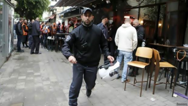 اصابة مستوطنين اسرائلين واصابة اخرين فى عملية اطلاق نار فى مستوطنة تل أبيب
