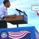 اوباما يشاهد جسم فضائي غريب
