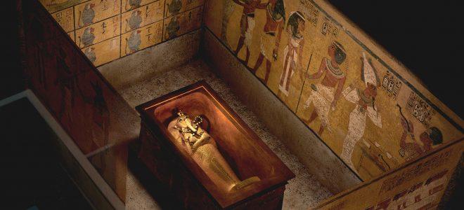 هل تم دفن الملك توت عنخ أمون علي عجل؟