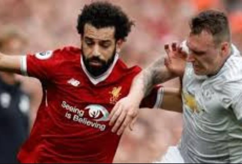 محمد صلاح يشارك ويهدر مع ليفربول امام مانشستر يونايتد في الدوري الإنجليزي