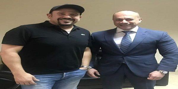 هشام عباس يتعاقد على تقديم برنامج أسبوعي على قناة الحياة