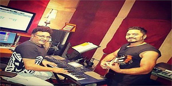 تامر حسنى ومحمد رحيم يحضرون للألبوم الجديد داخل الإستوديو