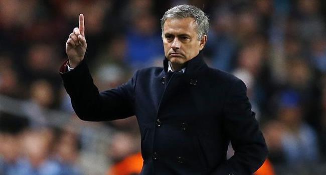لاعبو مانشستر يونايتد يقودون ثورة ضد جوزية مورينيو