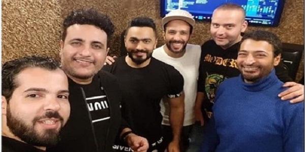 تامر حسنى يجهز مفاجأة لجمهوره مع حميد ورحيم