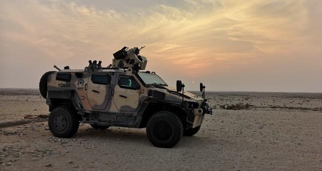 تركيا تختبر أحدث منتجاتها العسكريه وسط صحراء قطر