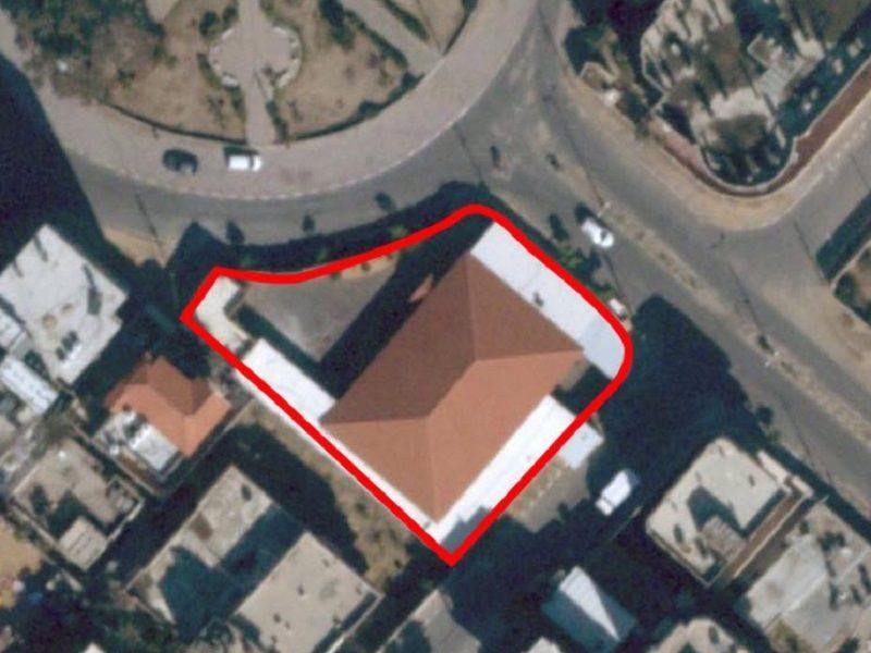 إسرائيل تعلن الحرب وتضرب مقر سري لحماس واستهداف للمنازل السكنية