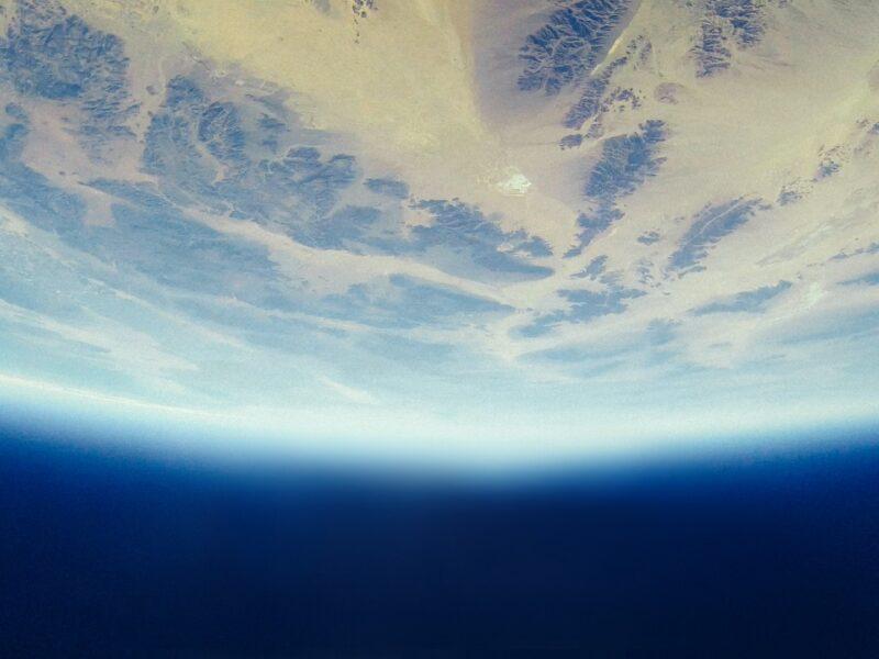 الغلاف الجوي ومزايا بلازما الضغط الجوي لمعالجة الأسطح